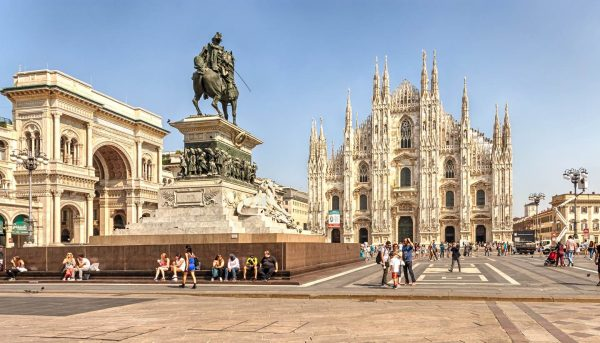 Private-Driver-Italy-Milan-Duomo-